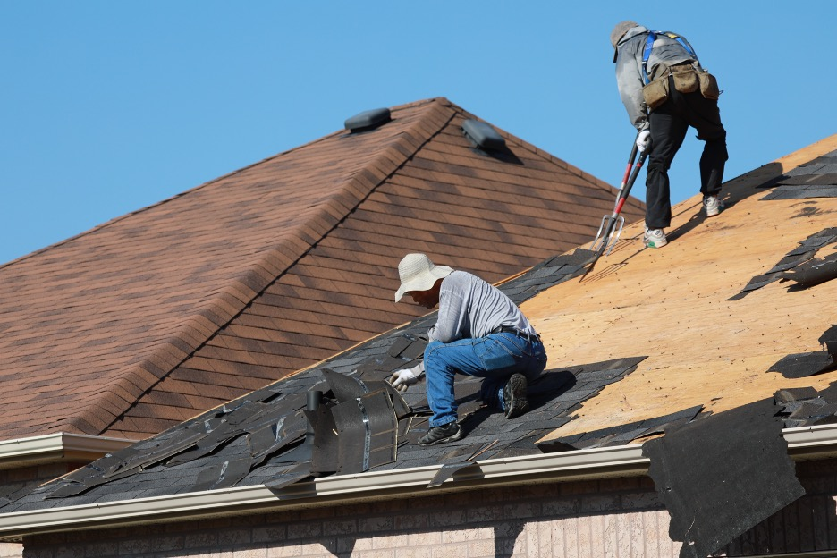 Four Signs that It's Time for a Roof Replacement in Warrenville, Illinois; Insights from a Warrenville Roofing Company