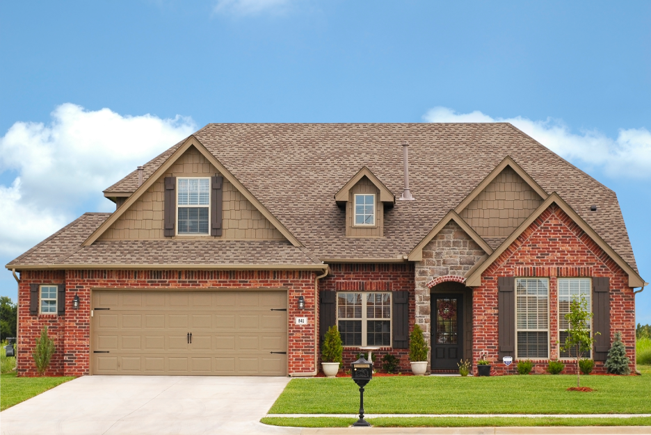 When Is the Best Time for a Roof Replacement? Insights from a Roof Replacement Company in Clarendon Hills, Illinois